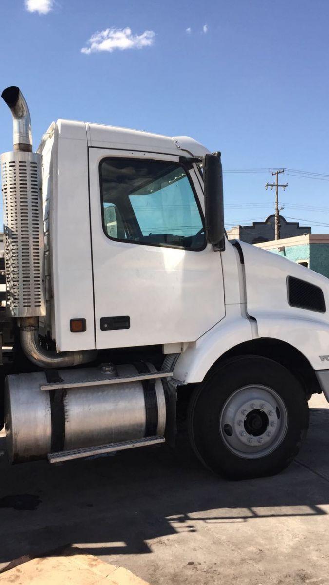 Venta Camión Volvo con Grúa National 18 toneladas Merida